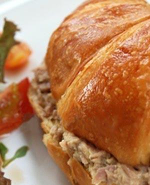 croissant au thon