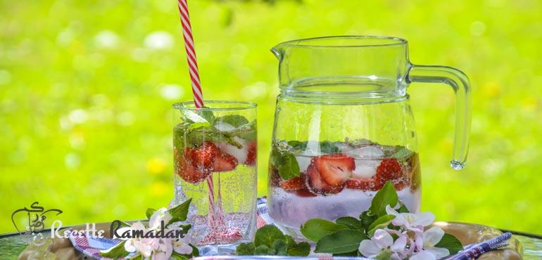 mojito la fraise sans alcool virgin mojito recette ramadan. Black Bedroom Furniture Sets. Home Design Ideas