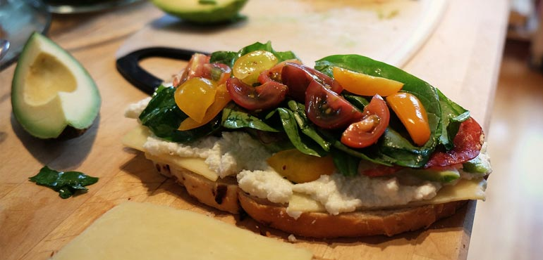 tartine fromage tomate